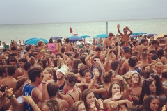 party in spiaggia